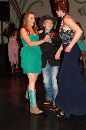 high school rodeo prom 083.jpg
