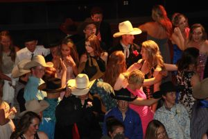 high school rodeo prom 163.jpg